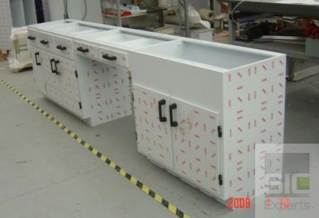 Mobilier laboratoire en plastique