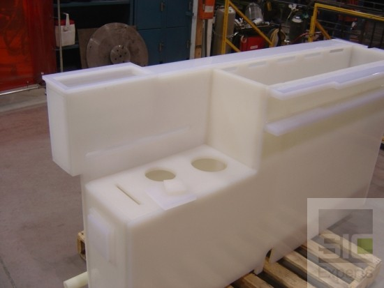 Réservoir plastique pour produits chimiques