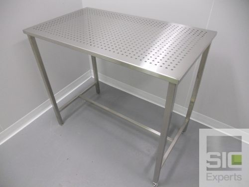 Table acier inoxydable perforé