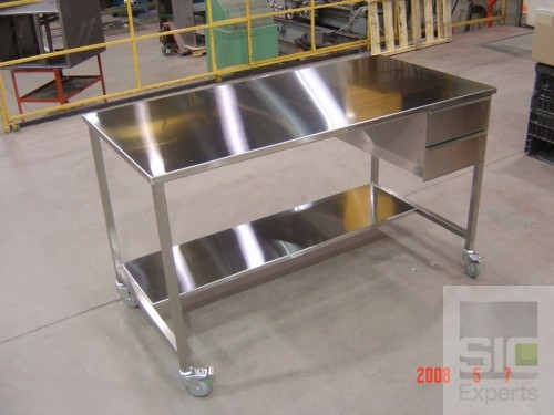 Table inox avec tiroirs